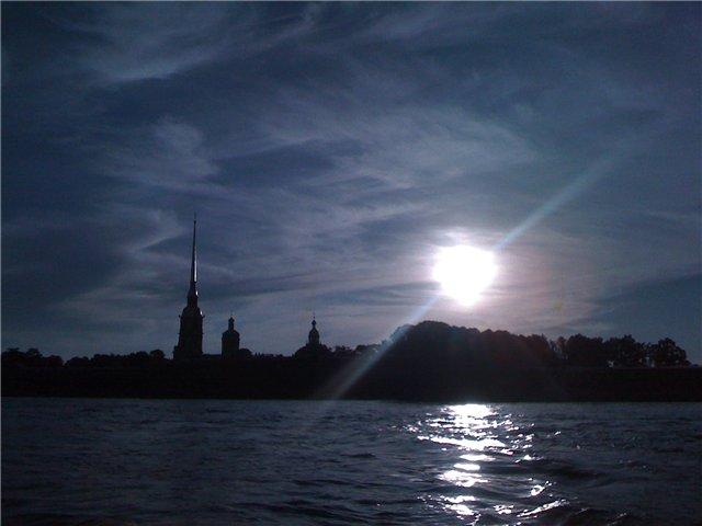 Вид с Невы на Петропавловскую крепость