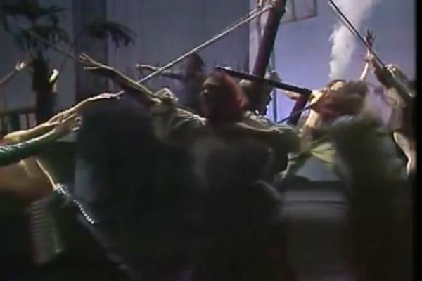 Скриншот сцены из спектакля «Так победим!»