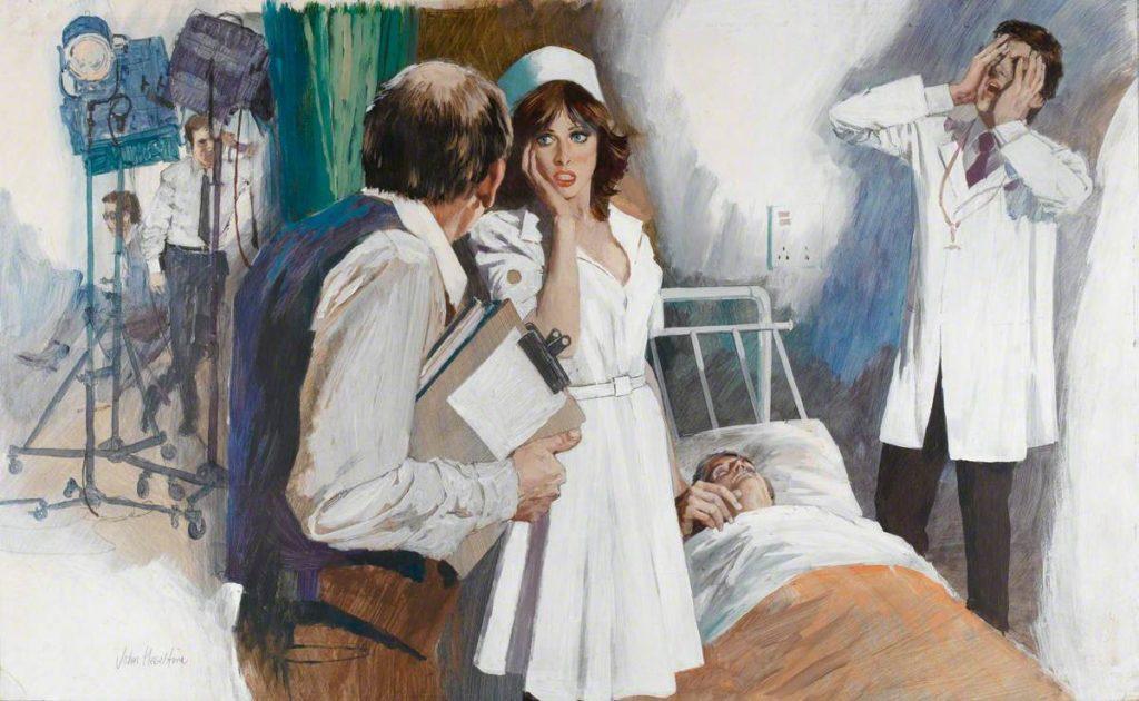 Кинорежиссер беседует с актерами, играющими хирурга, медсестру и пациента