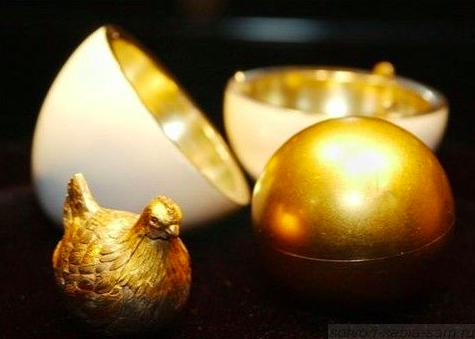 Карл Фаберже / «Курочка» - Подарок Марии Федоровне. Сюрприз - курочка с короной и кольцом. Корона утрачена…/ 1885