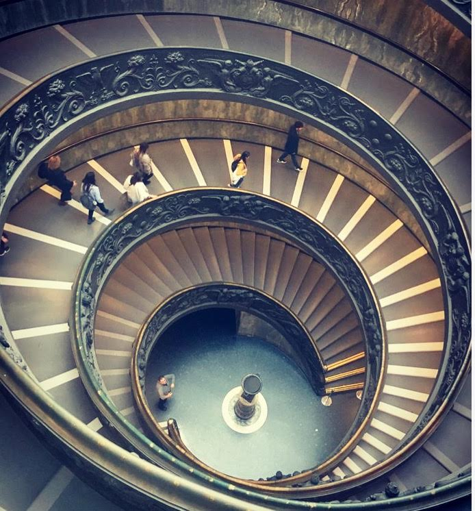 лестница музеев Ватикана