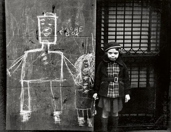 фотограф / кинооператор / сценарист Элен ЛЕВИТТ (1913-2009) / «Нью-Йорк, 1938»