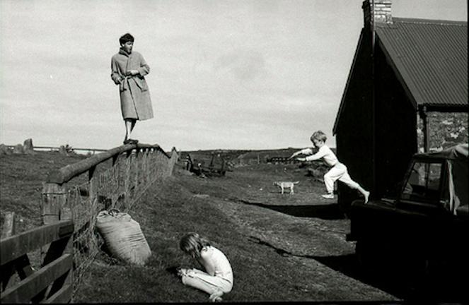фотограф Линда МАККАРТНИ (1941-1998) / «Пол, Стелла и Джеймс, Шотландия» / 1982